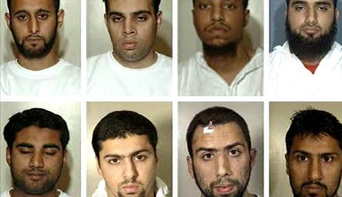 Britští muslimové obvinění z terorismu
