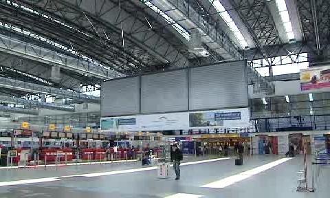 Letišťní hala