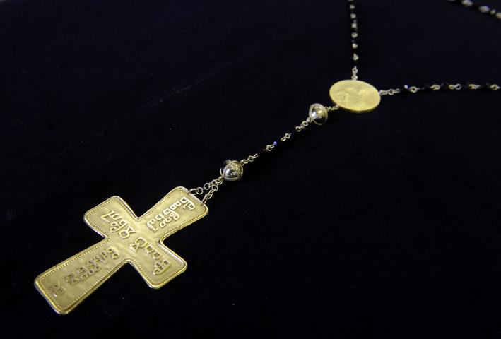 Růženec pro Benedikta XVI.