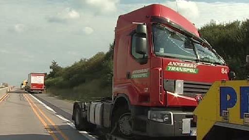 Havarovaný kamion na dálnici