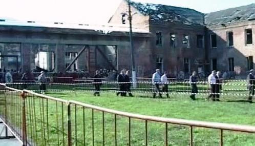 Pietní shromáždění v beslanské škole