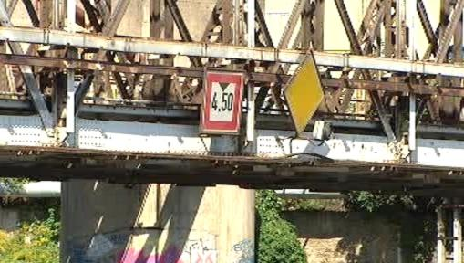 Povolená výška pro podjezd kolínského mostu