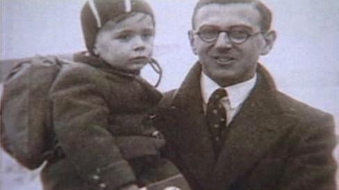 Nicholas Winton se zachráněným dítětem
