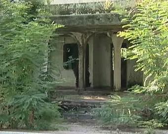 Zpustošená Escobarova vila