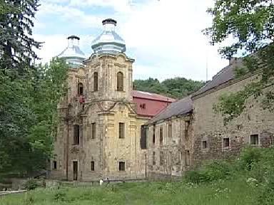 Kostel v obci Skoky na Karlovarsku
