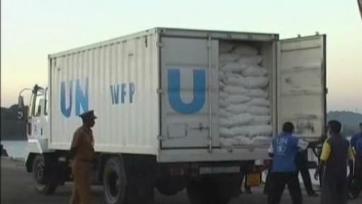 Vykládání humanitární pomoci