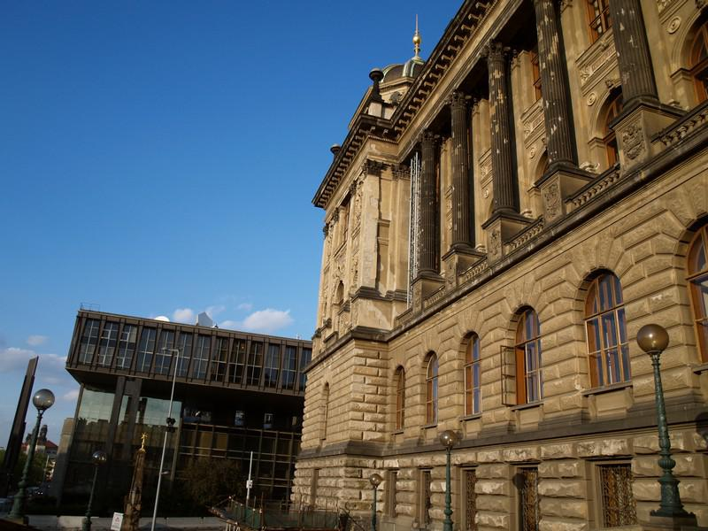 Národní muzeum - stará a nová budova