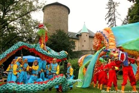 Folklorní festival na hradě Šternberk
