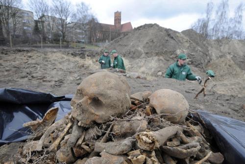 Masový hrob v Malborku