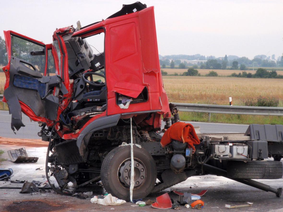 Nákladní auto po nehodě