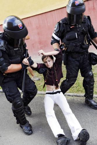 Slovenská policie rozhání demonstraci Slovenské pospolitosti