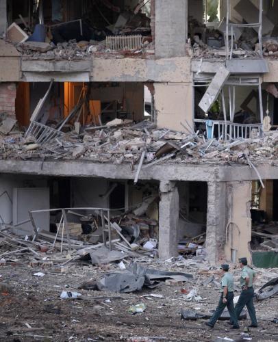 Následky výbuchu bomby ve Španělsku