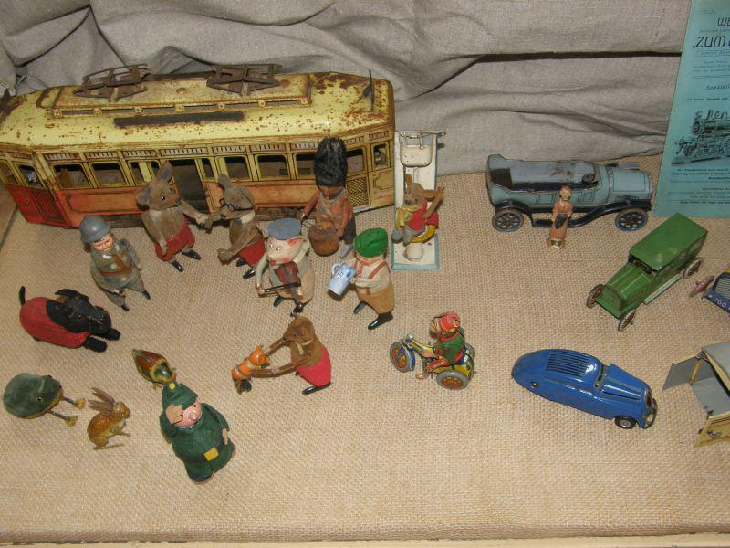 Staré mechanické hračky