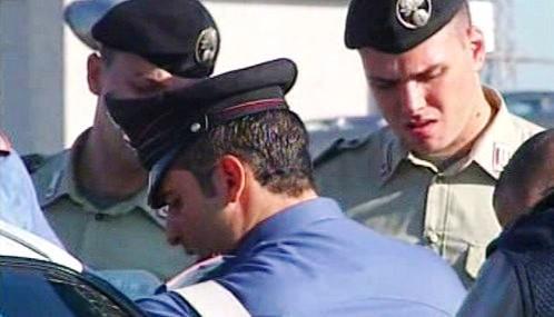Italští vojáci pomáhají policejním hlídkám