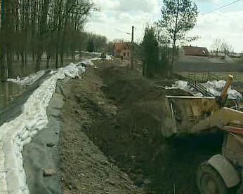 Protipovodňová hráz v Hoříně
