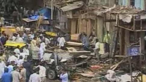 Následky výbuchu v Bombaji