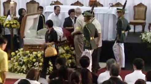 Pohřeb Corazon Aquinové