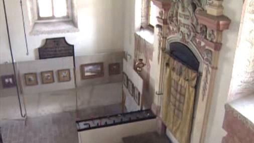 Interiér synagogy v Holešově