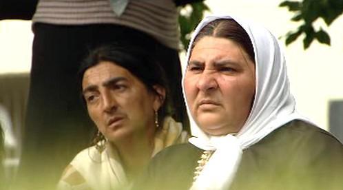 Truchlící Romové