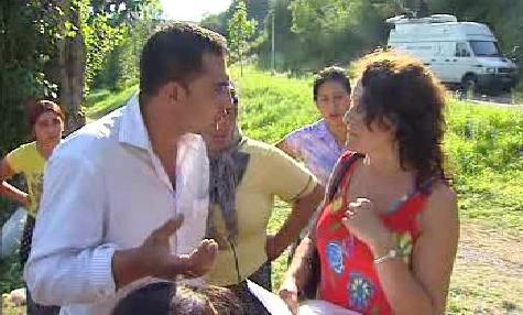 Rumunští Romové a starostka Husince