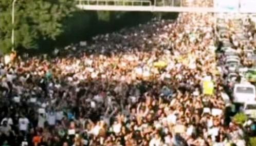 Demonstrace v Teheránu za oběti nepokojů