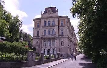Vysoká škola Karlovy Vary