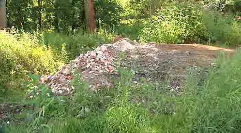 Odpad na břehu Sázavy