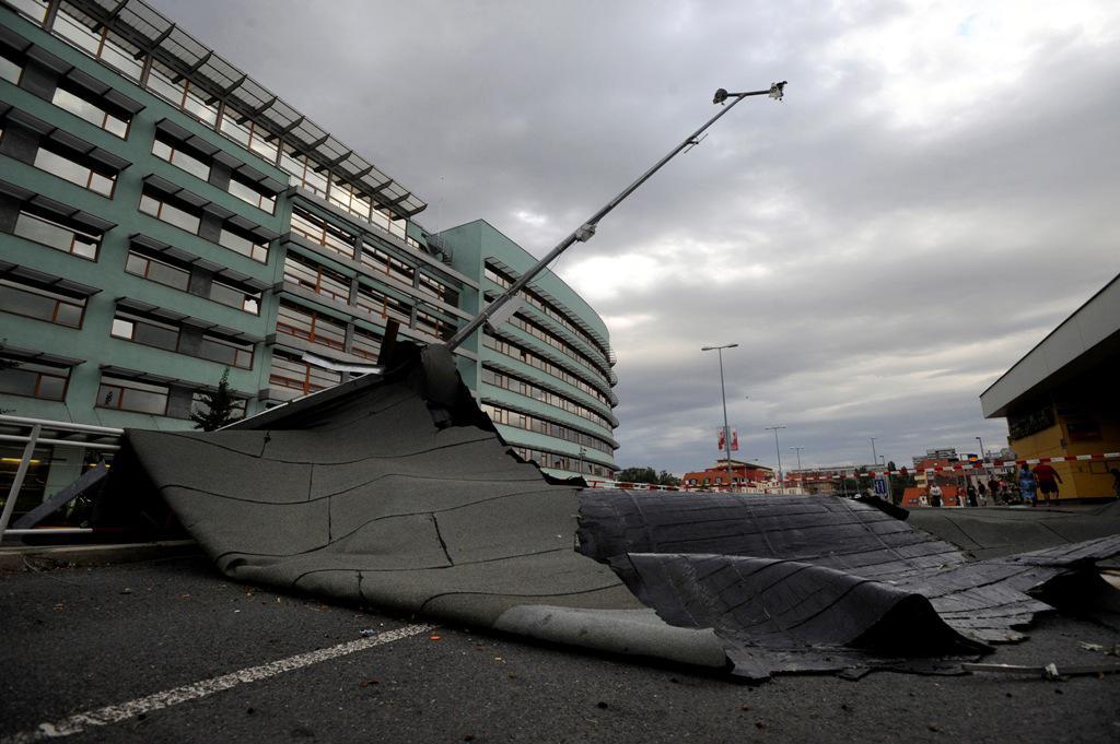 Stržená střecha katastrálního úřadu