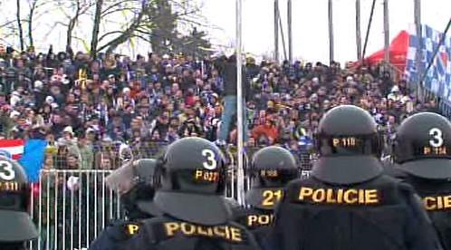Policie na stadionech