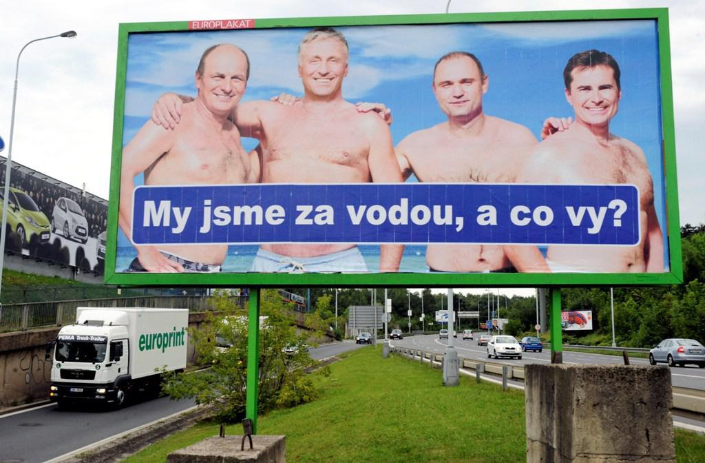 Parodie na předvolební plakáty ODS