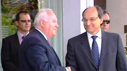 Miguel Angel Moratinos a Peter Caruana