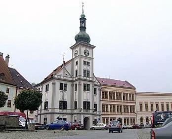 Radnice v Lokti