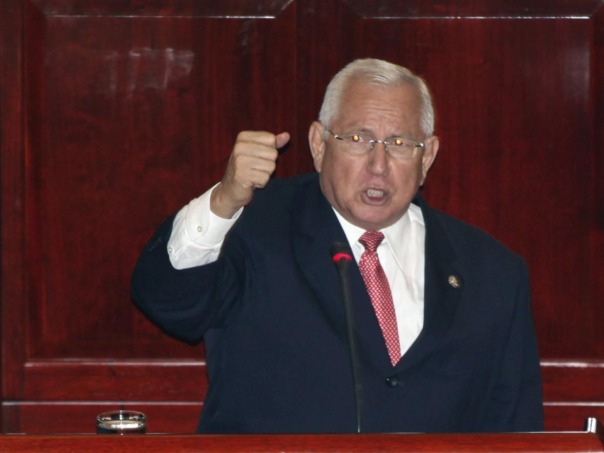Nově dosazený prezident Hondurasu Roberto Micheletti