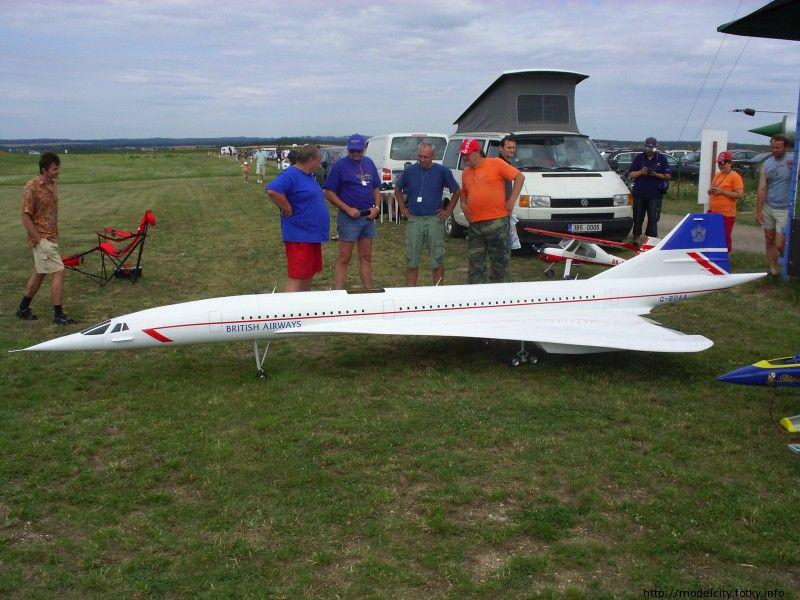 RC model s turbínovým motorem