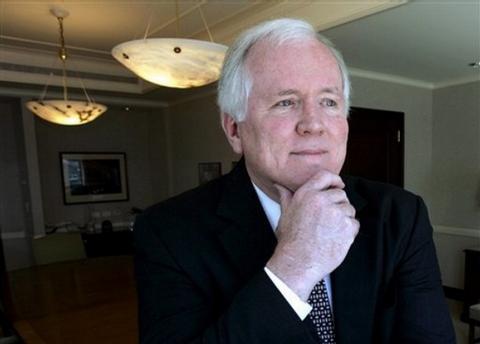 Šéf AIG Edward M. Liddy