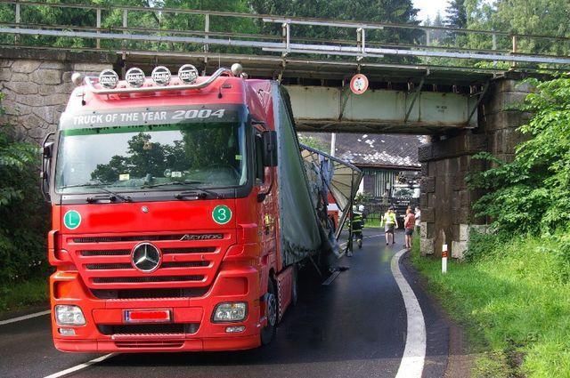 Nehoda kamionu v obci Špičák