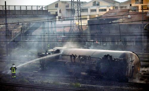 Požár cisternových vagónů v Itálii