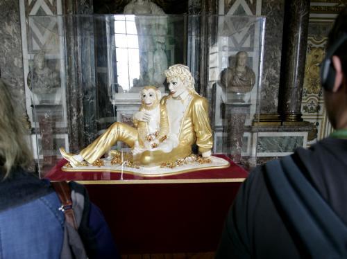 Porcelánová socha Michaela Jacksona