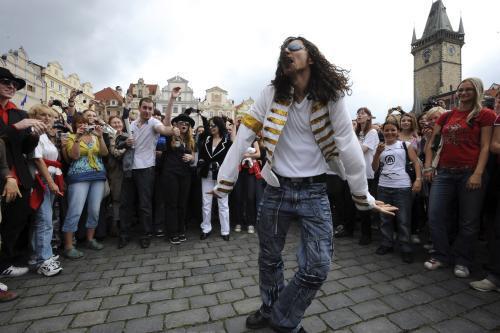 Na Staroměstském náměstí se zpívalo a tančilo