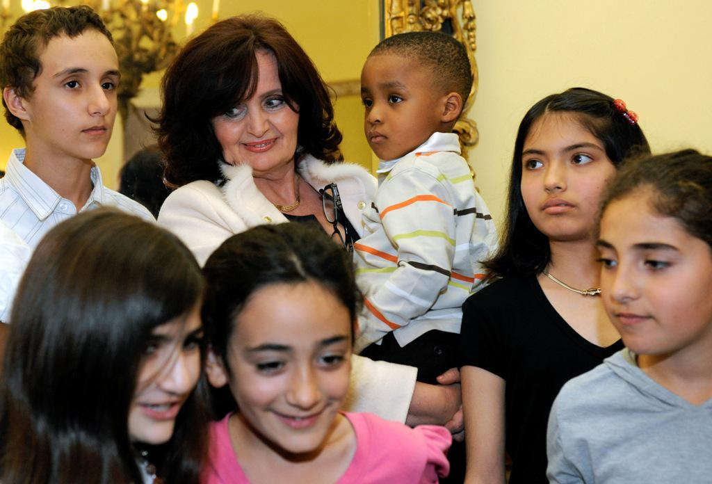 Miroslava Kopicová s dětmi uprchlíků