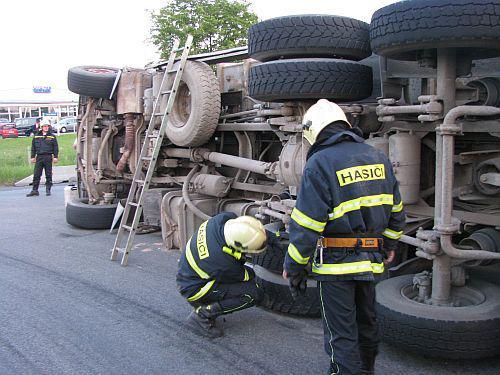 Hasiči u nehody