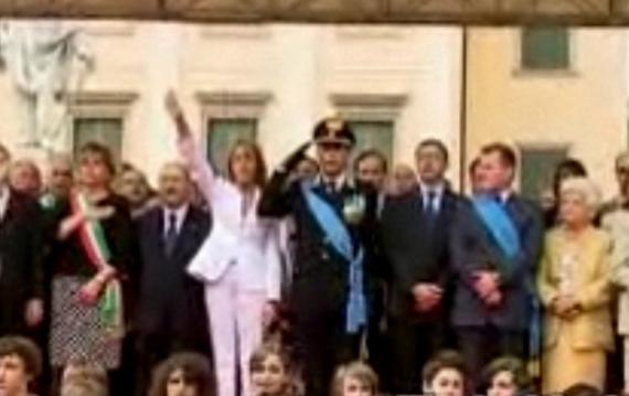 Hajlující italská ministryně Brambillová