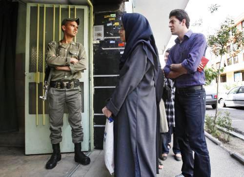 Volební místnost v Íránu