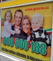 Reklamní plakát s rodinou
