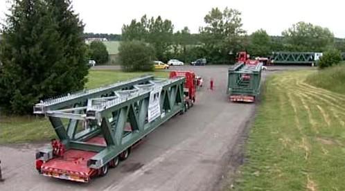 Železniční most na kamionech