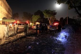 Extrémisté odpálili auto naložené výbušninami