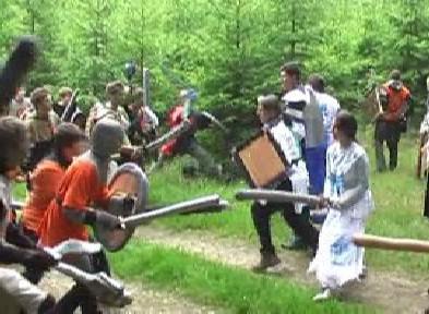 Účastníci hry při bojovém střetnutí