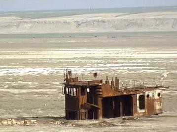 Vyschlé dno jezera Aral