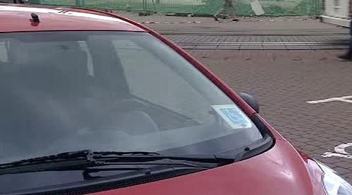 Auto s označením O1