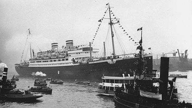 Loď Saint Louis v havanském přístavu